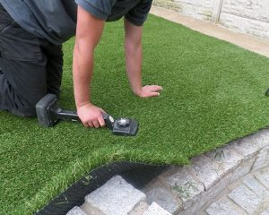 Professional Or DIY Artificial Grass Installation? Know The Differences